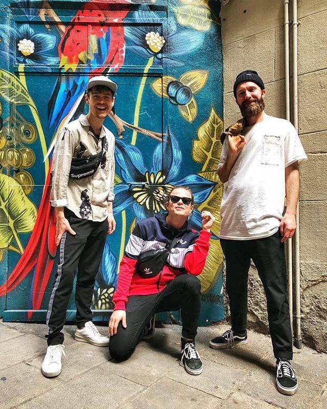 Yes, we will travel for gigs 🛩  #barcelona #catcombo #swedishband #popband #saxophoneplayer #hornsection #swedishmusic