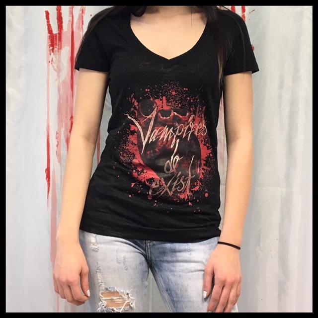 Vampire V Neck Shirt Girl M / L (fällt klein aus) - Preis 20 € (nur auf Vorbestellung möglich)