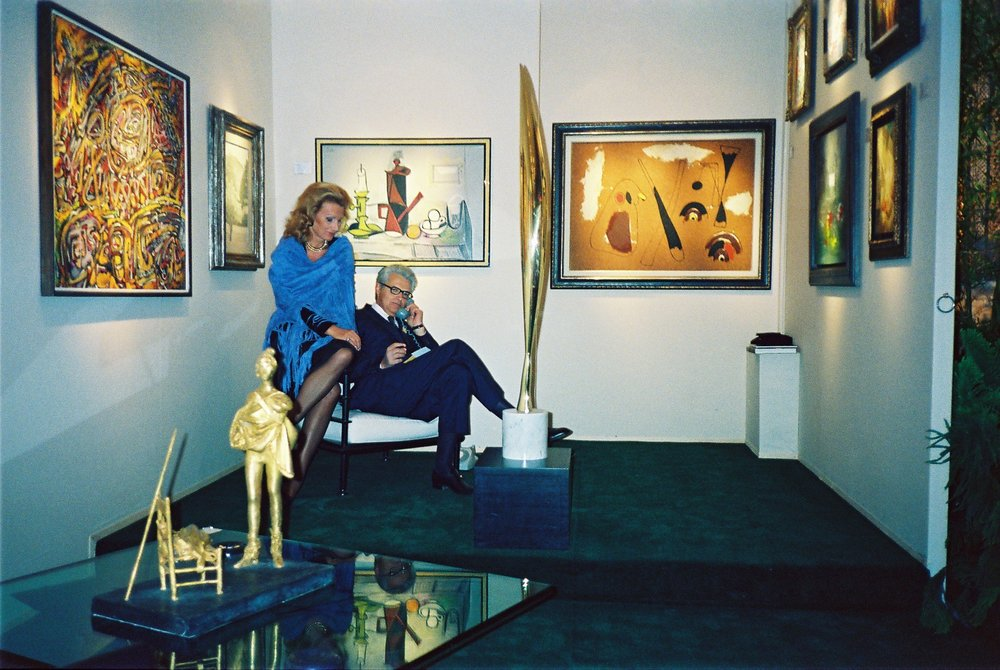 Mrs. M.F. Toninelli and Mr. Louis Toninelli Biennale des Antiquaires Paris, 1988
