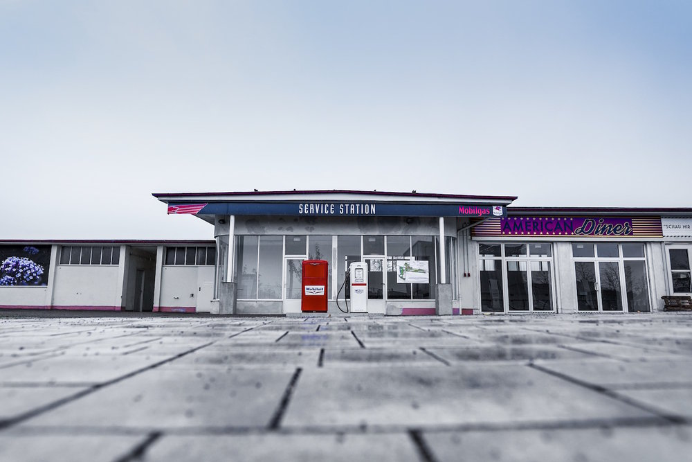 Die US-Tankstelle am Hubland während der Landesgartenschau in Würzburg. Foto: Rolf Biemüller.