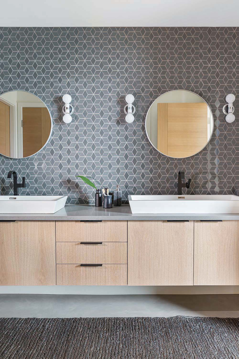 Western Living - May 2018  11 Beautiful Bathrooms That Make for Dreamy Retreats