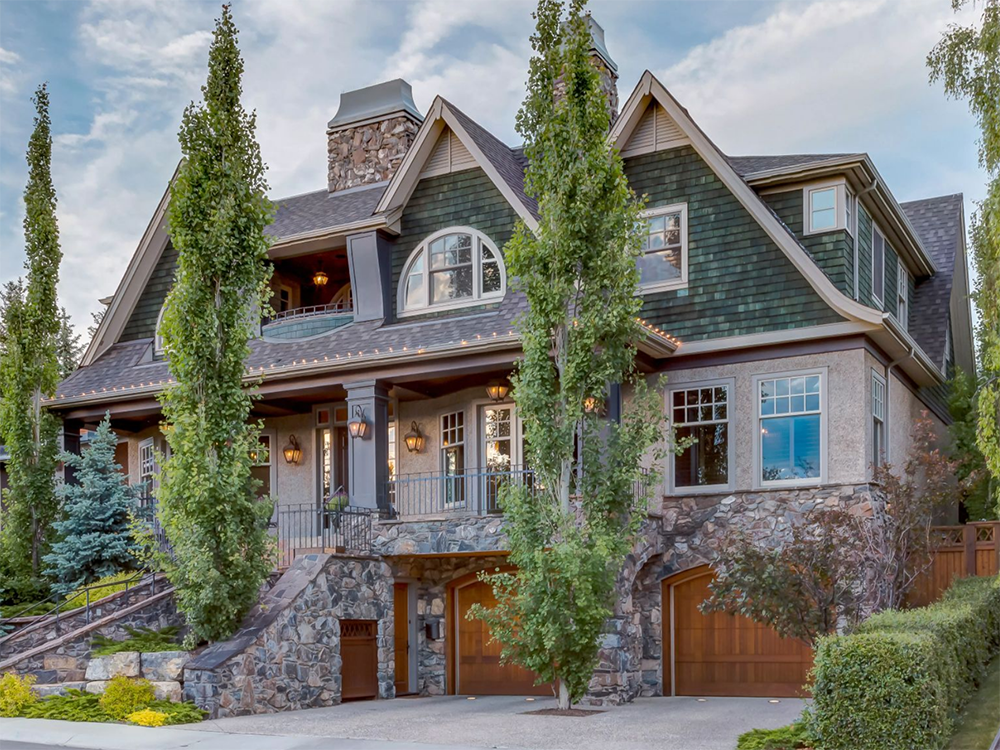 The Calgary Sun – February 2018   Magnificent home up for auction