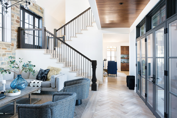 House and Home - February 2019  This Warm&Inviting Family Home Redefines Rural Living