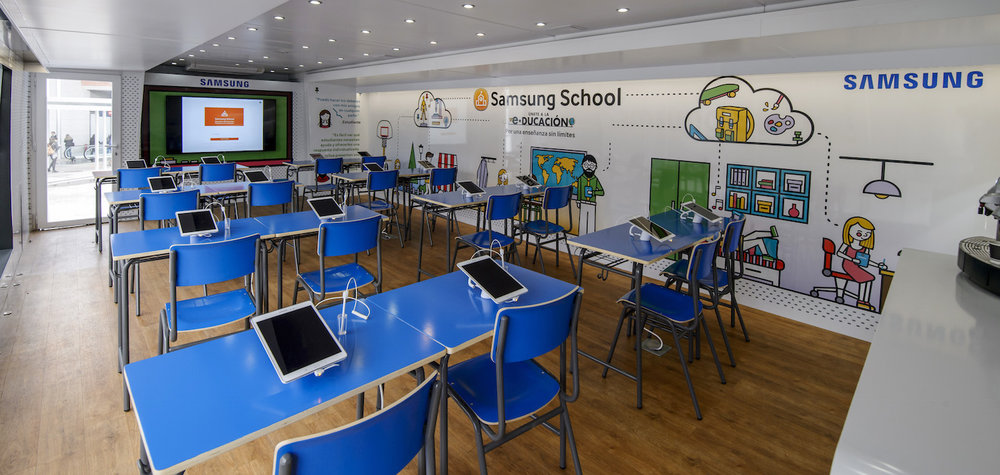 Samsung School interior bus.jpg
