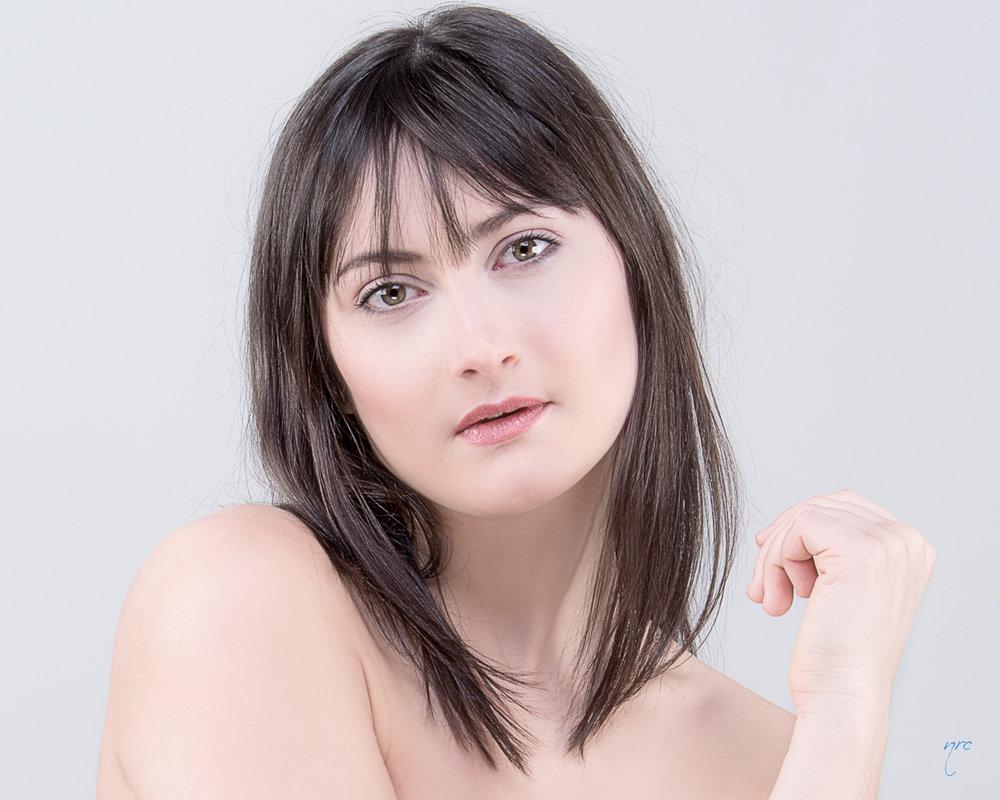Make-up & Hair : Valentina Becker | Photo : Nicolas Crepea (Munich)