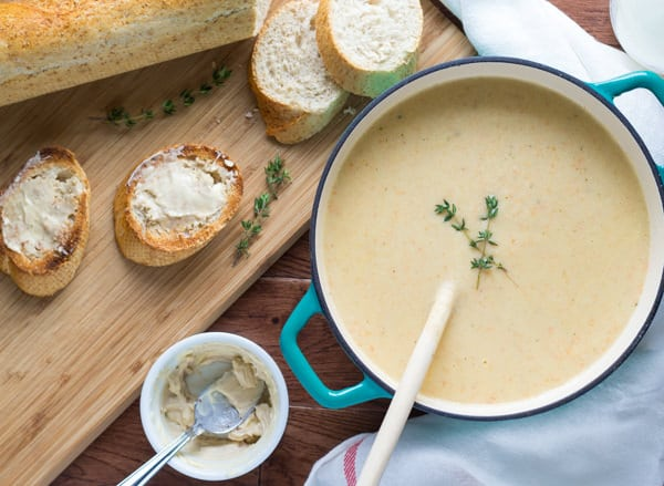 Roasted-Garlic-and-Cauliflower-Soup-with-Anchovy-Buttered-Toast-4.jpg