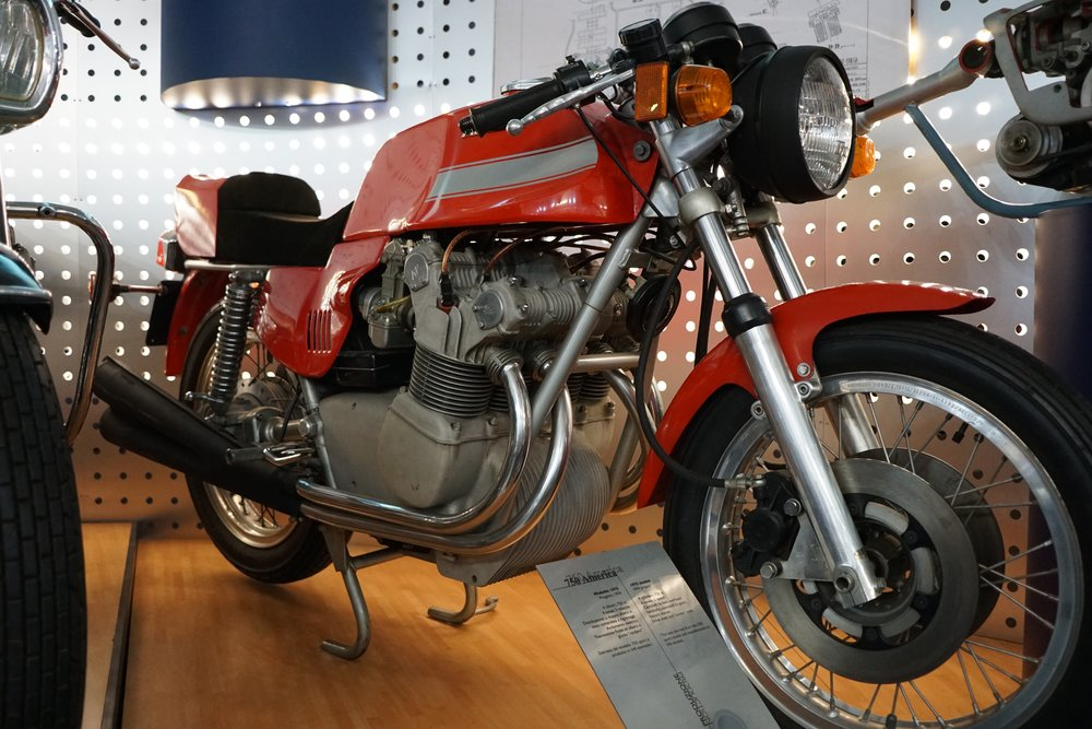 '75 750 America – 750cc, DOHC, five speeds. The shaft drive and electric start were attempts to position this as a viable choice for a gentleman's road motorcycle. About 500 were sold.