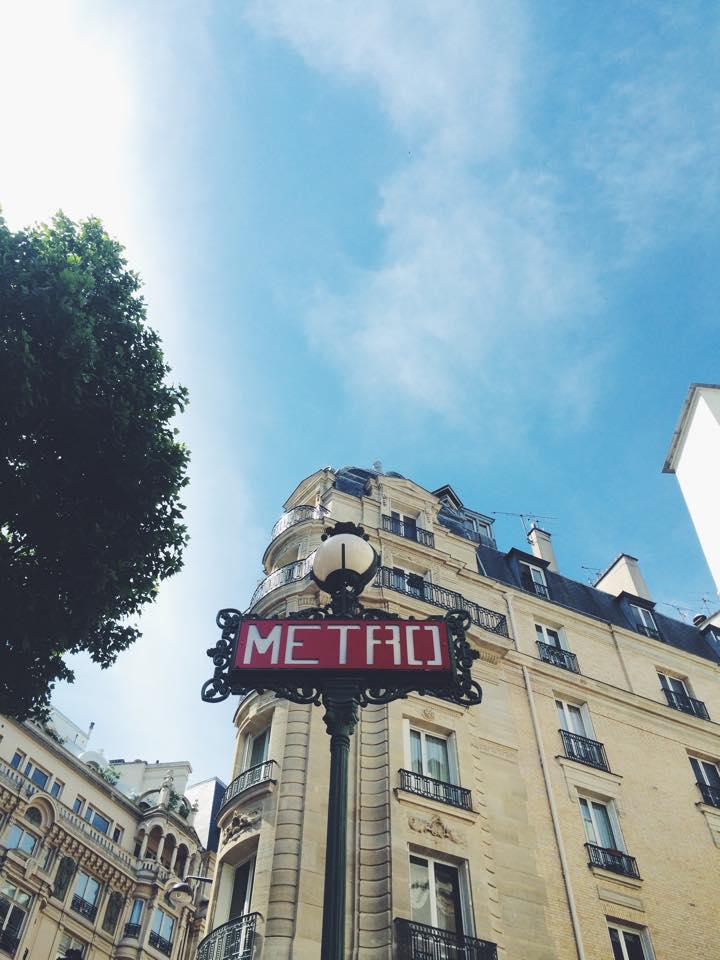 Saint-Michel-Metro.jpg