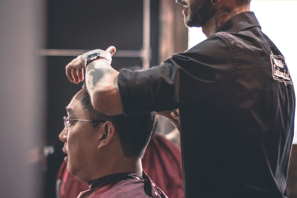 BARBERING - Vivid illustrations and detailed barbering procedures to help prepare students for state board exams.