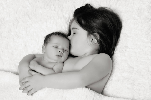 Baby Photography     Ali is a talented photographer in Nottingham specialising in newborn and children's photography. A portrait session would make a special first Christmas gift, creating images to treasure.   - AliLulu Portraits