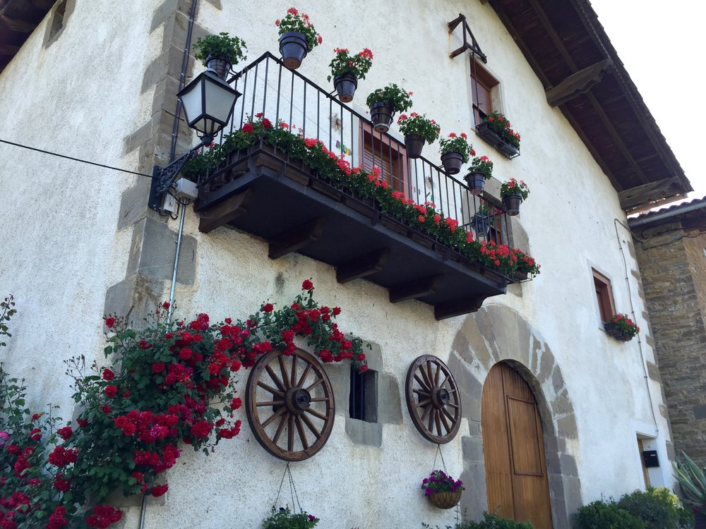 House of Roses, Spain