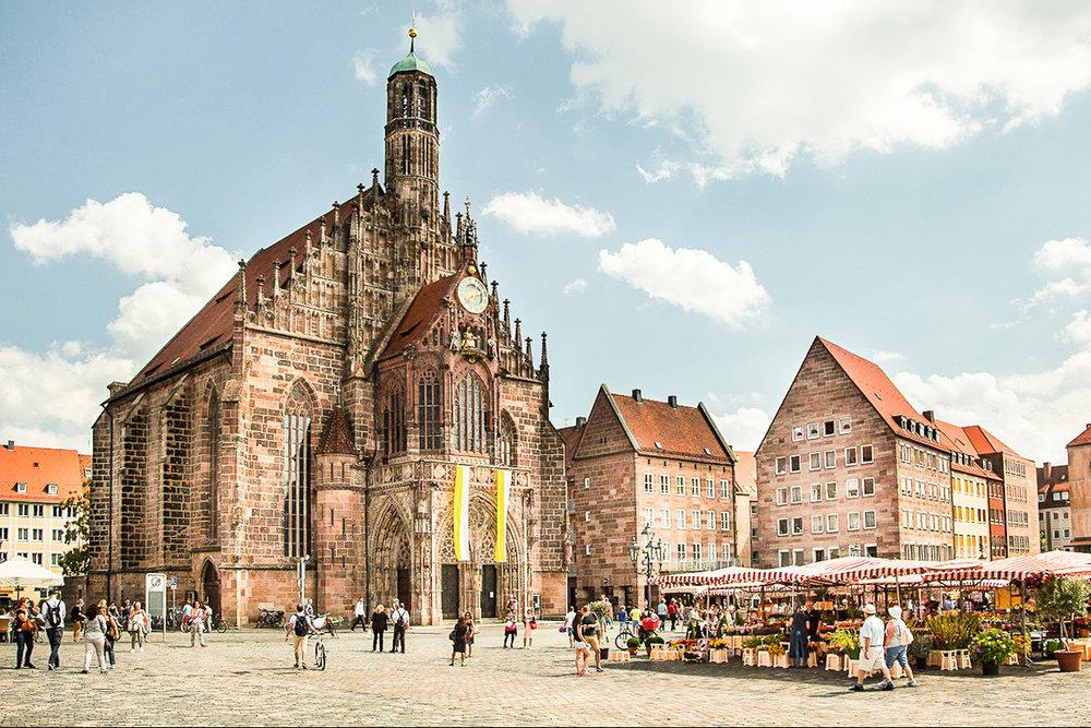 Old City Nuremberg, the Frauenkirche and the Main Marketplace Photo: ©  Mike Tsoupko-Sitnikov