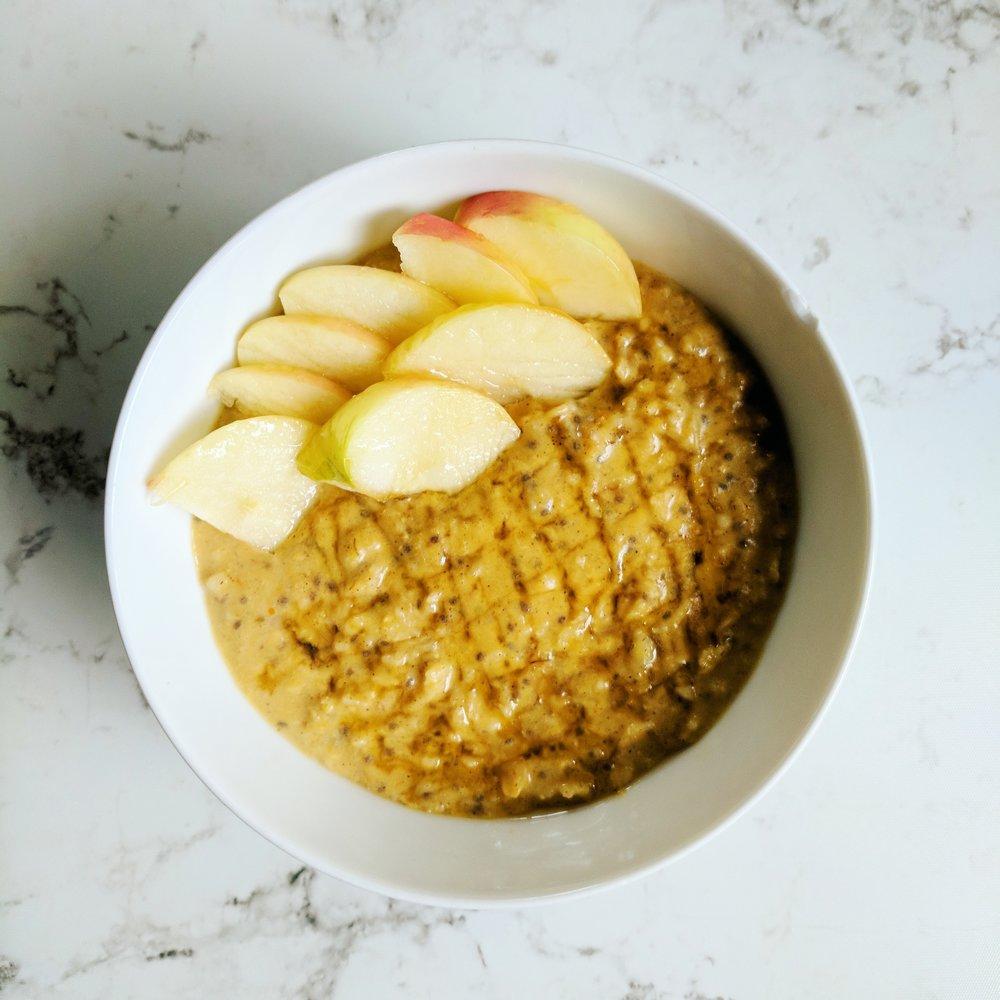 Pumpkin chia oats with apple