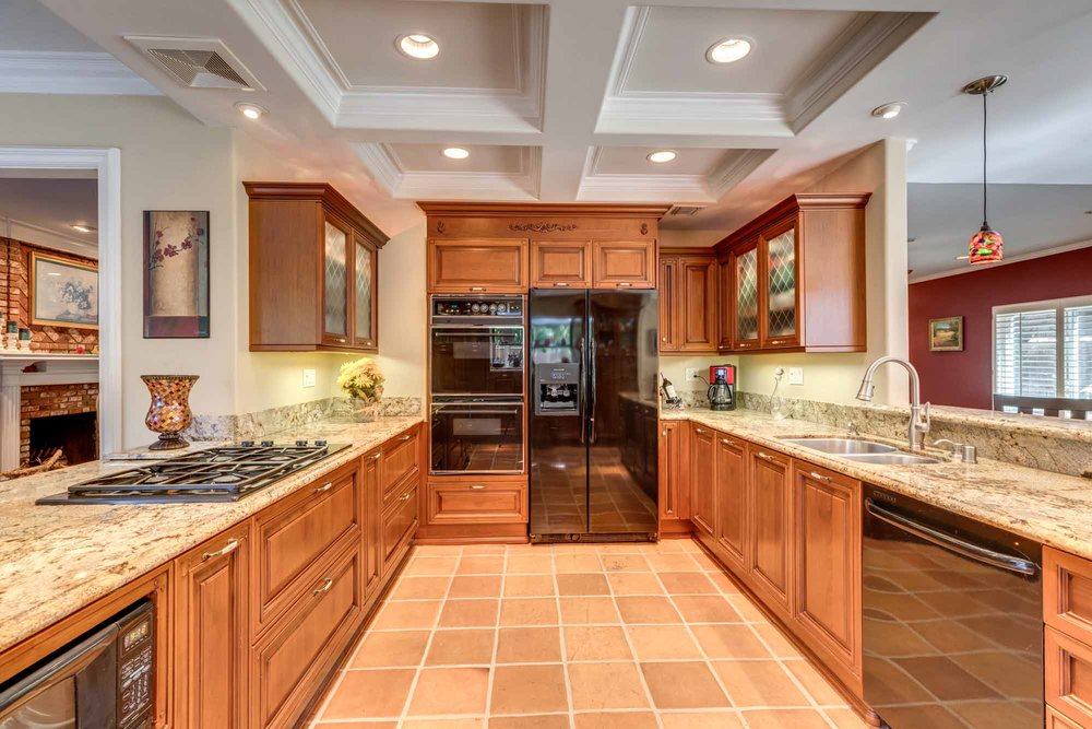 23333 WELLER PLACE KITCHEN