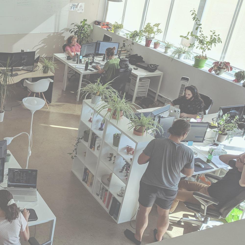 // HYDROGÈNE   -  DÉVELOPPEURS  Une équipe de développeurs, créateurs professionnels d'expérience numériques.