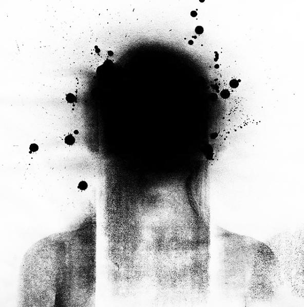 patricia-bigarelli-arte-contemporanea-penso-logo-desapareço.png
