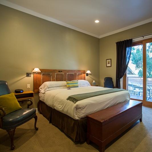 Deluxe Rooms -