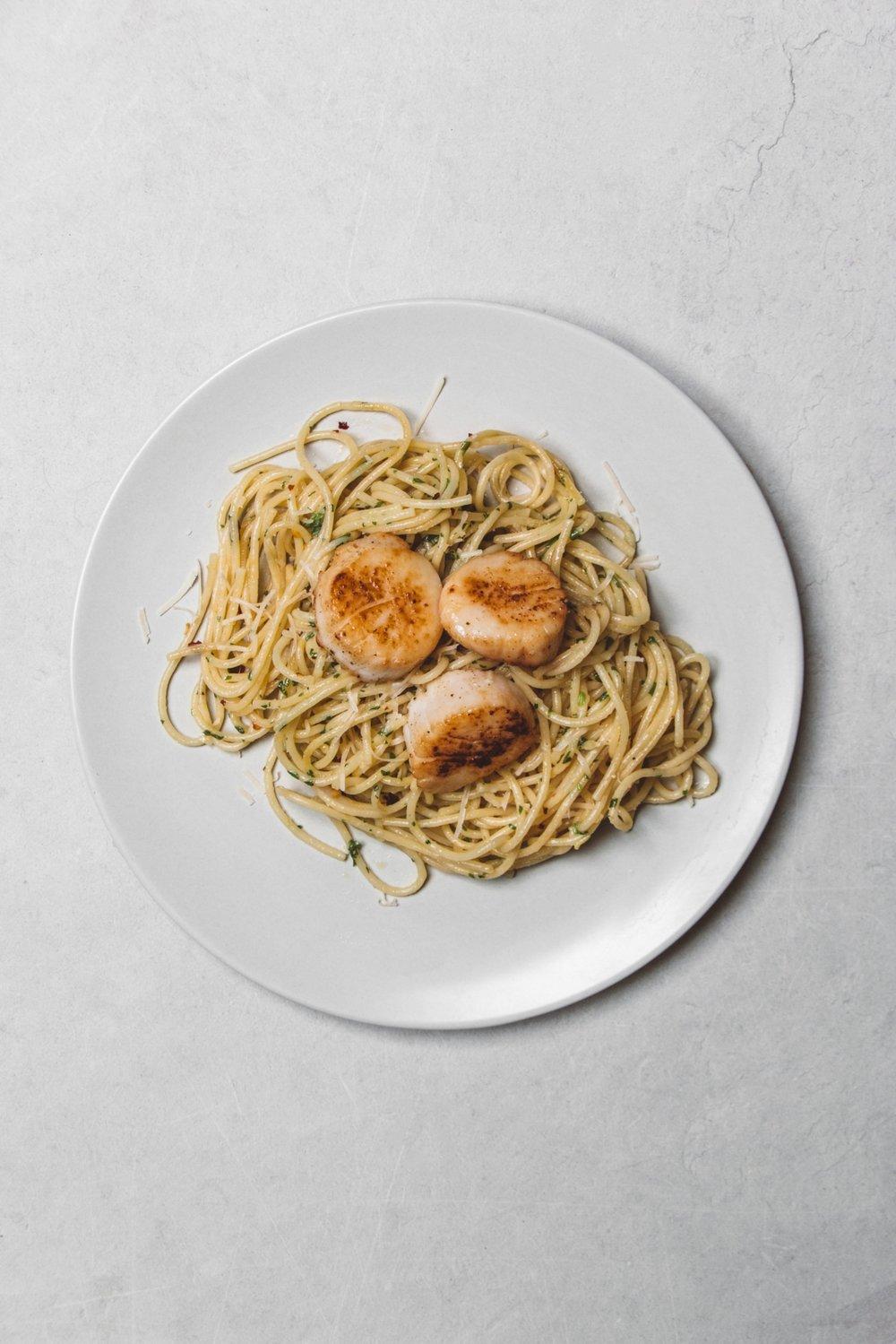 Pan Seared Scallops With Garlic And Cilantro.JPG