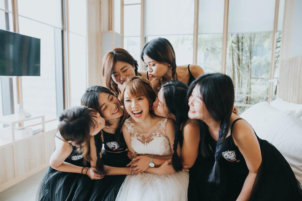KNOTTIN' VISUAL - Wedding Photography