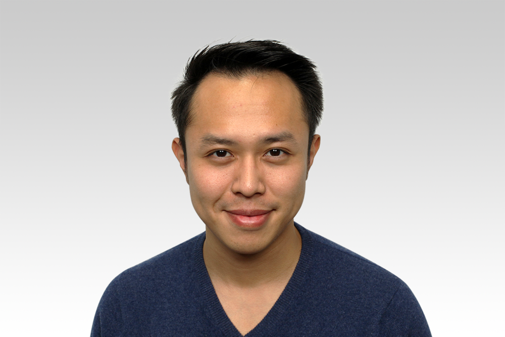Daryn Huang   Daryn Huang is the Chief Operations Officer of NewBeeDrone.    Daryn has a MFin from Peking University and a BS in Management Science from University of California, San Diego. Daryn enjoys travelling, playing guitar, and making art.