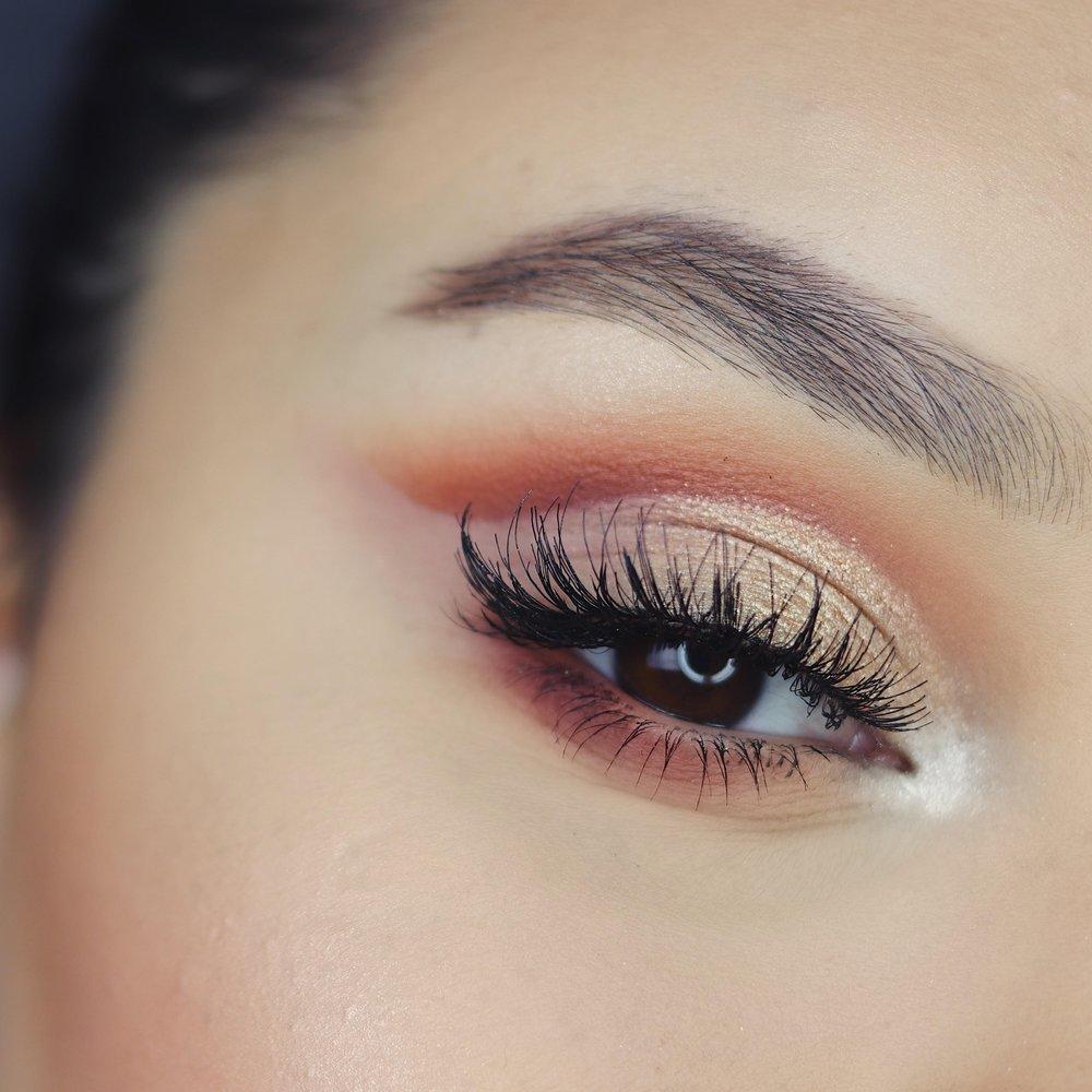eyes -