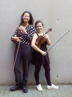 Das Violinen-Duo - Leonie Flaksman/ Saskia Niehl