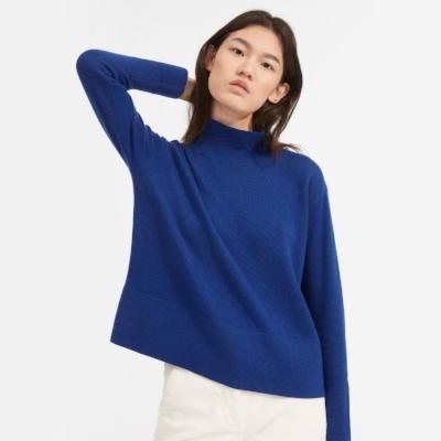 everlane-cashmere-sweater