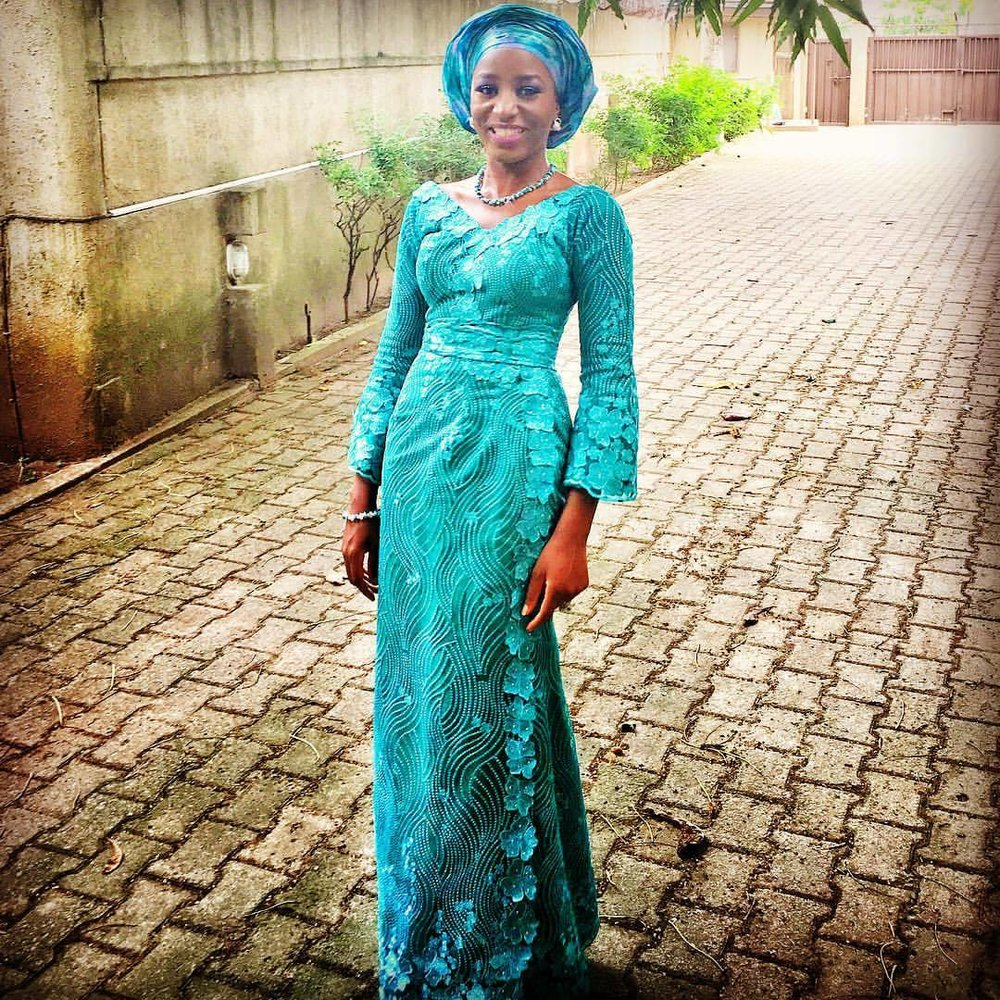 Cheesing my way through this weekend 😁  When it's time to wear #AsoEbi and tie #Gele, shalla @beecreationz for the #IroAndBuba rescue!