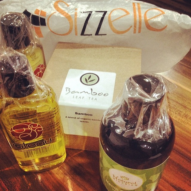 I am determined to finish up all my current oils & potions before my next major haul. Never mind that I cheated with these essentials from @sizzelle. That bag of Bamboo tea a day starts my morning right every time. #Gleau #NaturalNigerian #Sizzelle #SizzelleStore