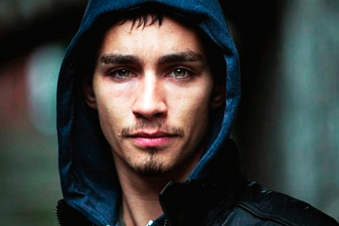 Misfits  is just not the same without Robert Sheehan.