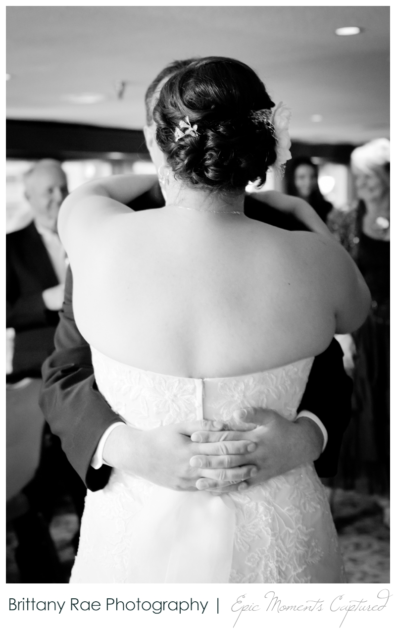 Dimillo's Floating Restaurant wedding photos - iconic first dance photo