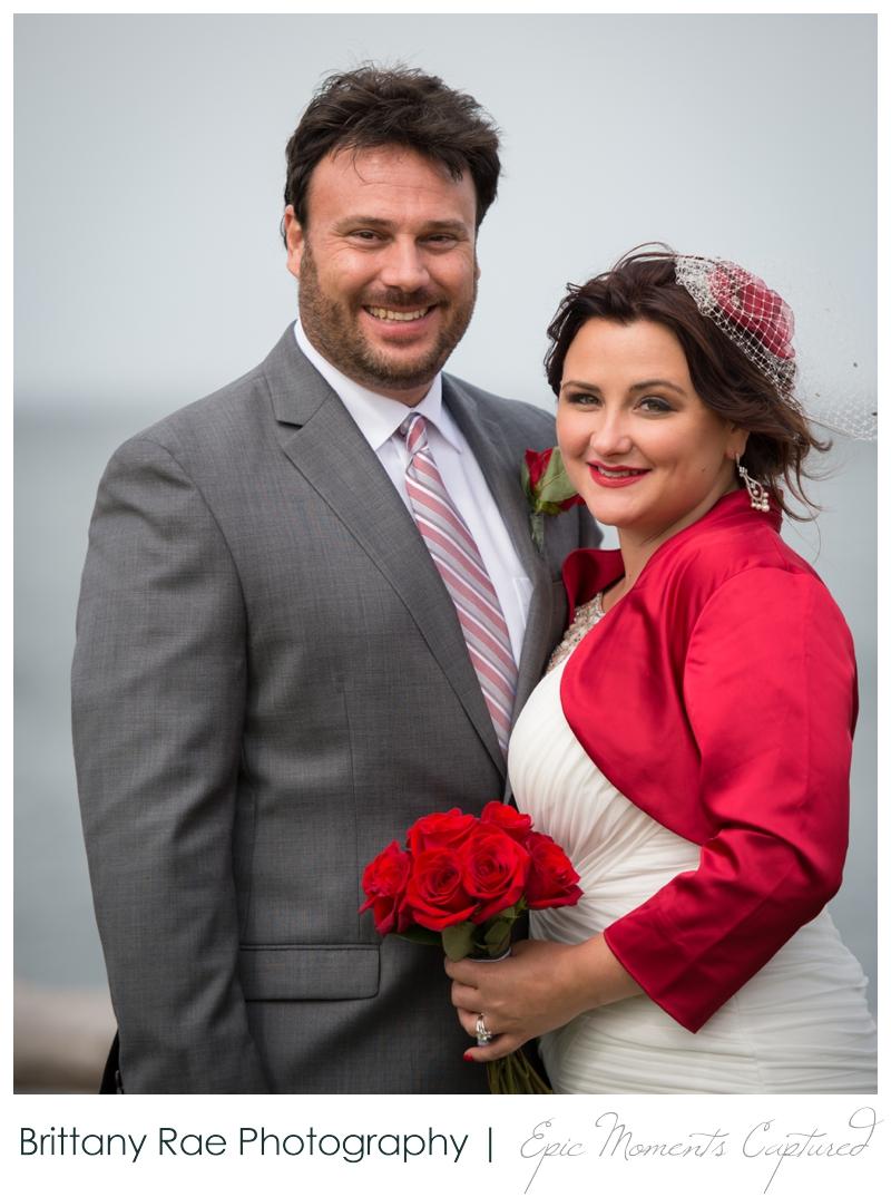 Portland Headlight wedding photos - wedding couple in red