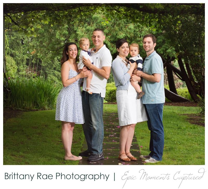 Tarrywile Mansion Family Photos, Danbury CT - Family under grape arbor