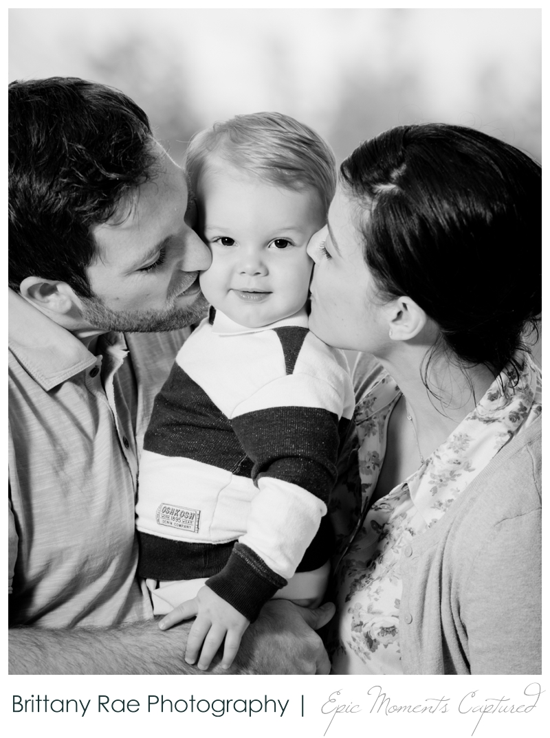 Tarrywile Mansion Family Photos, Danbury CT - parents kissing toddler