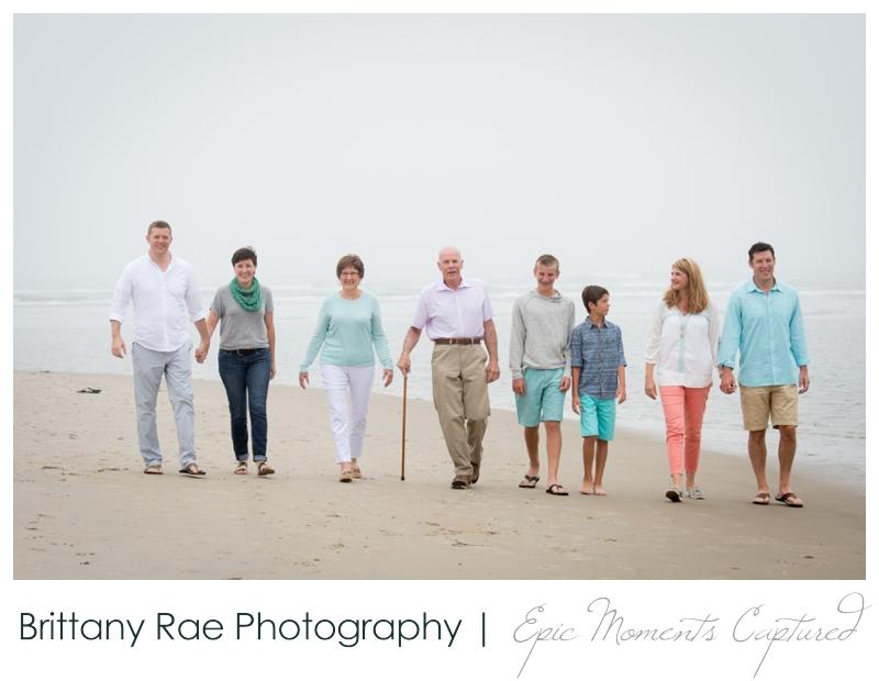 Ogunquit Family Photos - large family walking on beach