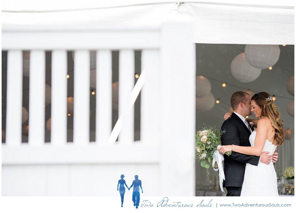 Peaks-Island-Wedding-Photographers-Portland-Maine-Two-Adventurous-Souls_0042.jpg
