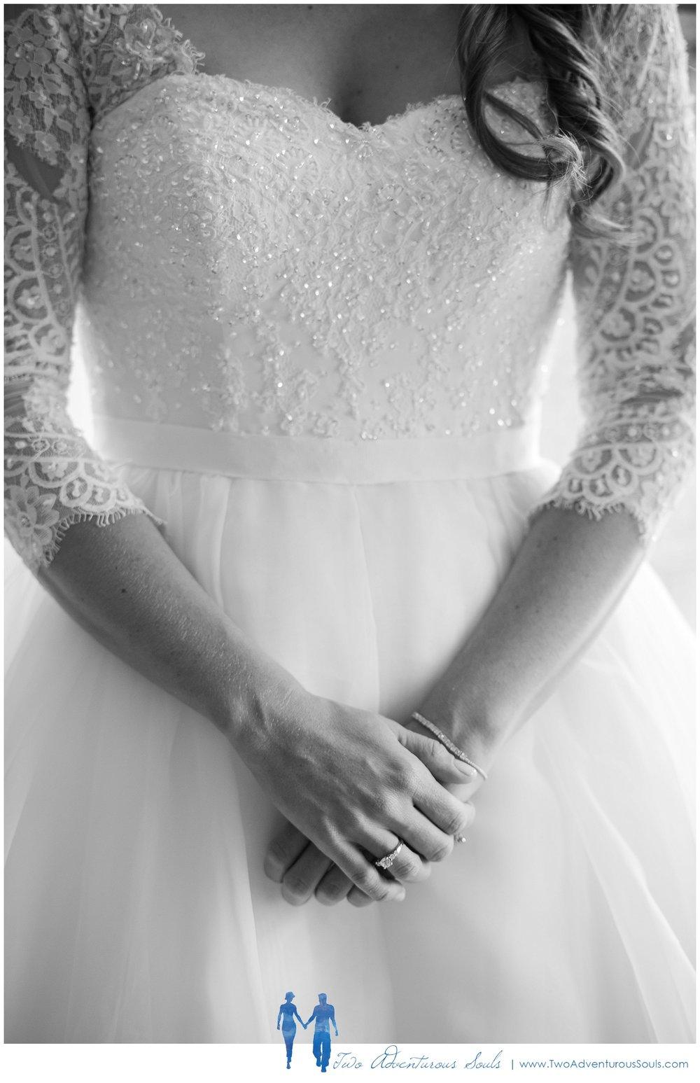 Woodlands Country Club Wedding, Maine Wedding Photographers_Wedding Dress with Sleeves