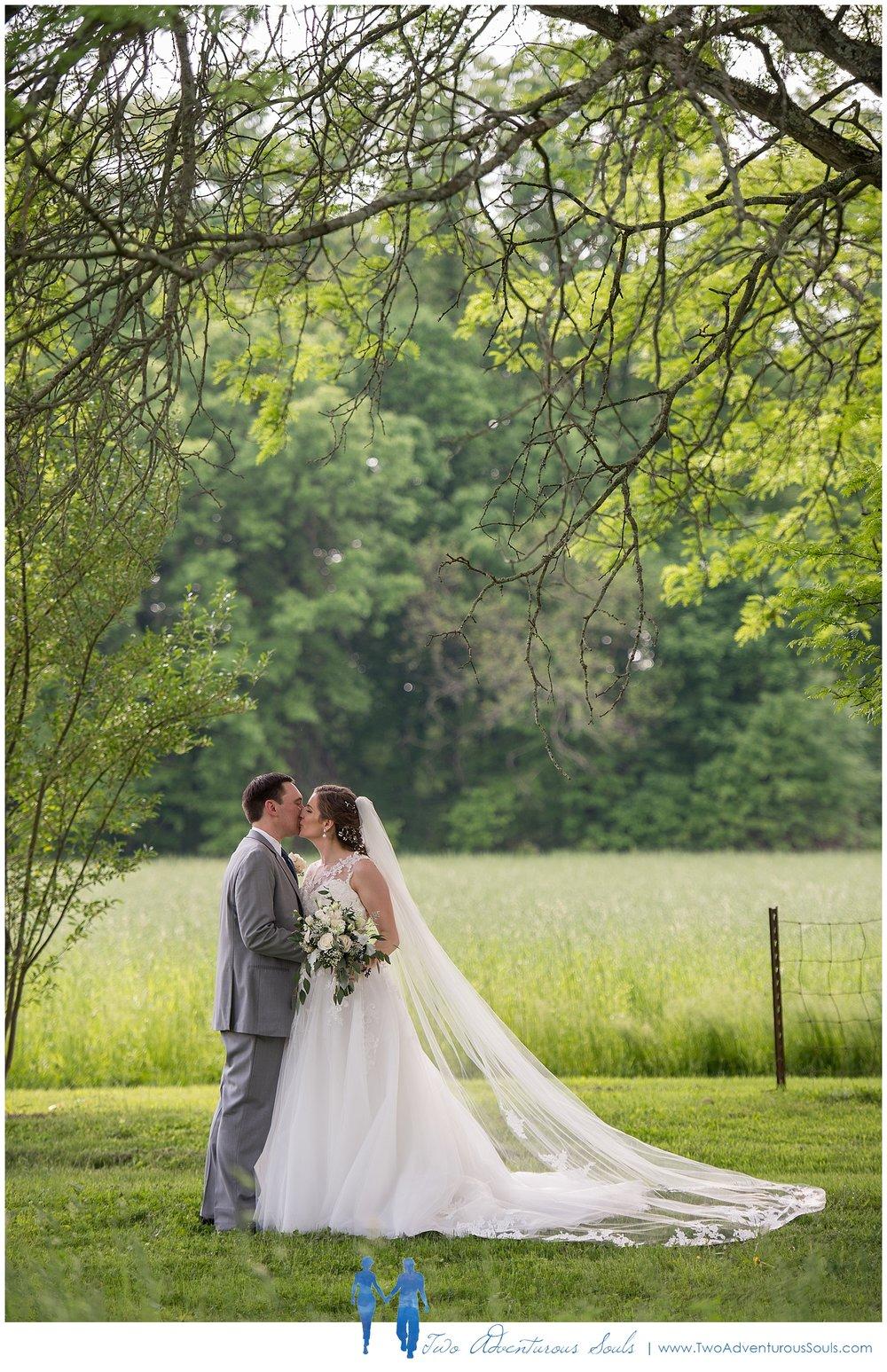 Quakertown-Wedding-Photographers-Farm-Wedding-Photographers-Two-Adventurous-Souls_0024.jpg