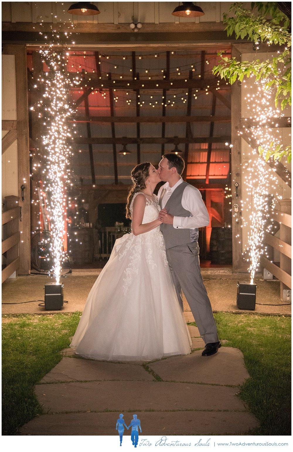 Quakertown-Wedding-Photographers-Farm-Wedding-Photographers-Two-Adventurous-Souls_0040.jpg