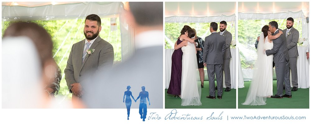 Dexter's Inn Wedding, New Hampshire Wedding Photographers_Tented Wedding Ceremony