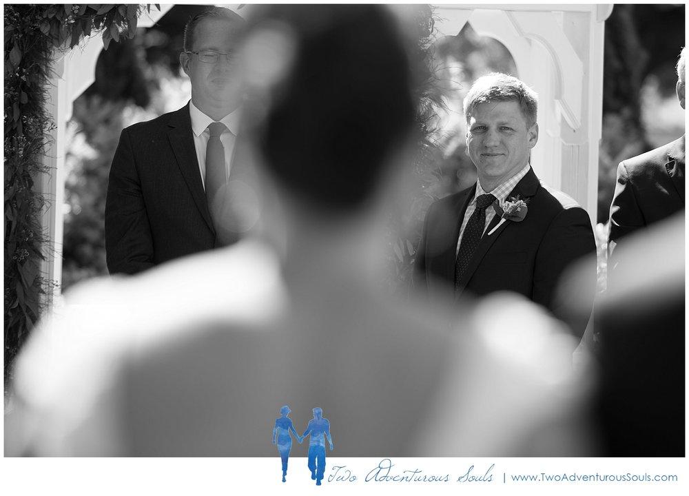 Inn-on-Peaks-Island-Wedding-Maine-Wedding-Photographers_0019.jpg