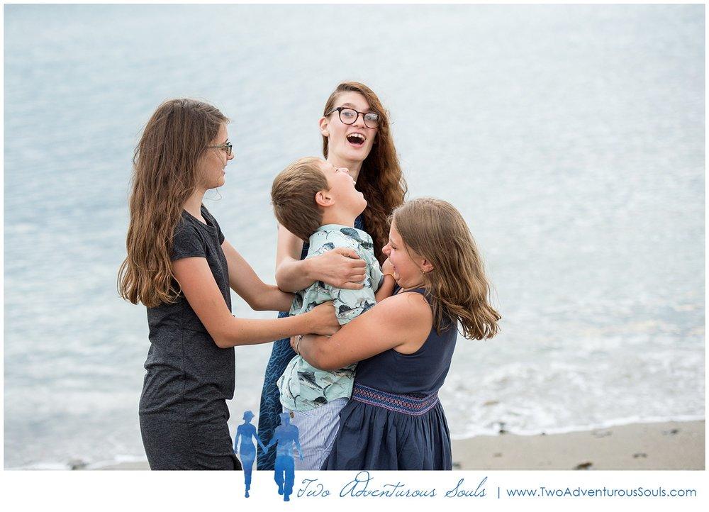 080318 - York Beach Family Portraits, Maine Family Photographers_0011.jpg