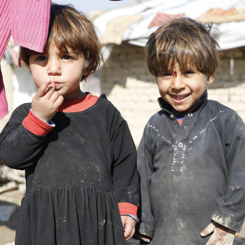 Omer-Child_Girl_Boy_Kids_Group_Scenic_Serious_Laughing_RefugeeCamp_2.JPG