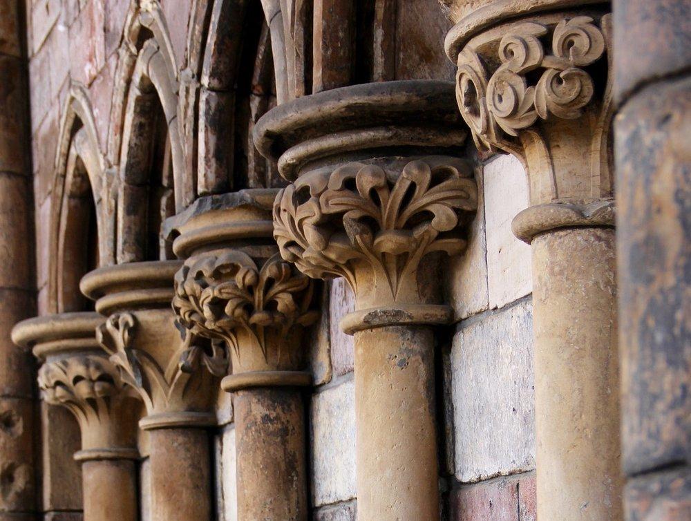 columns-981948_1920.jpg