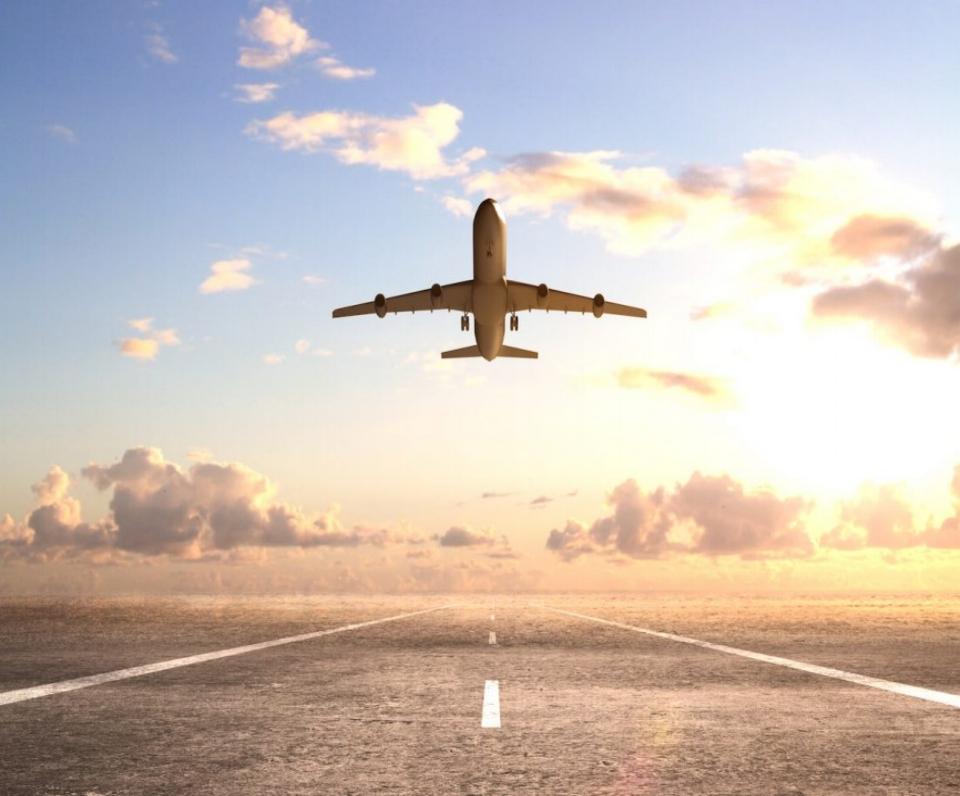 Airplane-stock-image-1100x733.jpg