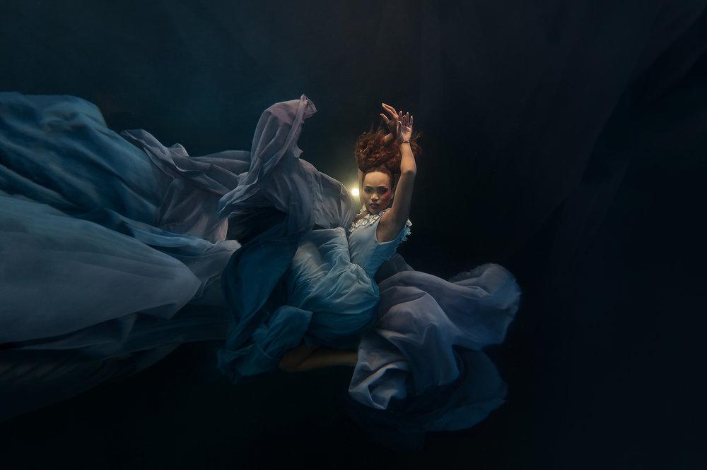 Ilse Moore Crystal portrait Night_005.jpg