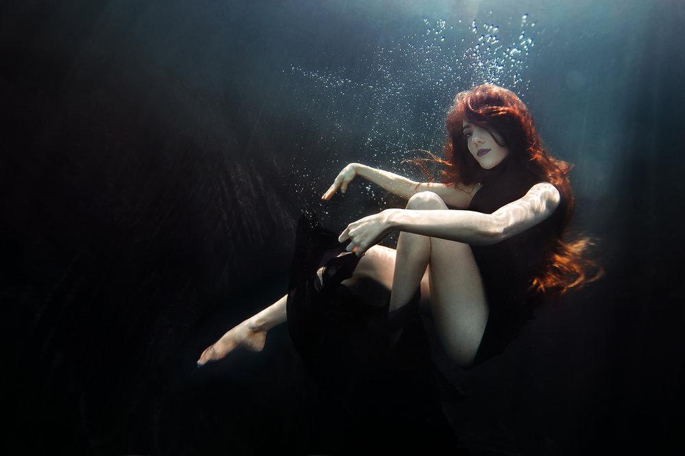 Ilse Moore Crystal portrait Night_008.jpg