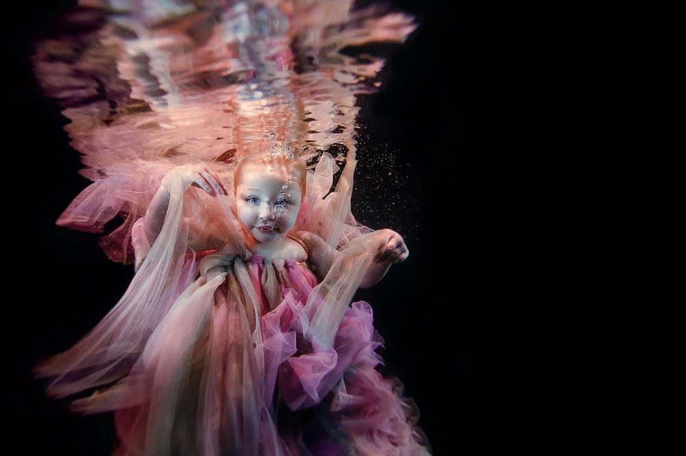 Ilse Moore underwater little dreamer_001.jpg
