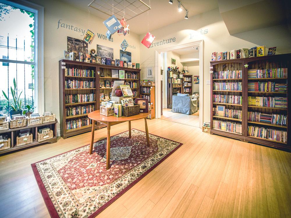 Book Bank_7005901.jpg