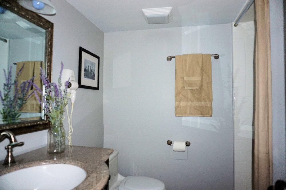 Room 1 Bathroom- 3.jpg